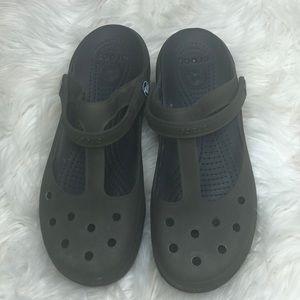 Crocs women slides